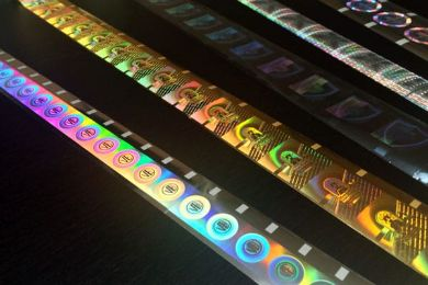 Coloured holograms in coils